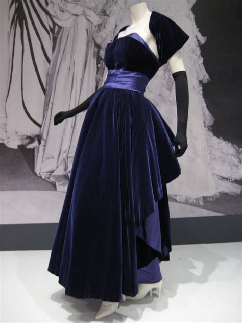 Haute Historian From To Laurent The New Look And The New New Look Second City Style Fashion by File Christian Dress Indianapolis Jpg Wikimedia Commons