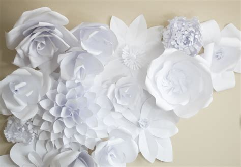 Flower Using Paper - paper flower backdrop flower 2 bigdiyideas