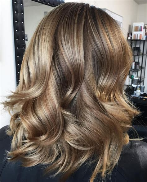 blonde medium length curly hairstyles front and back views coupes magnifiques pour cheveux fins coiffure simple et