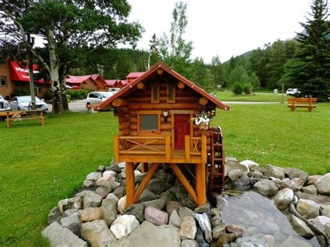 mini cottage picture  pocahontas cabins jasper national park tripadvisor