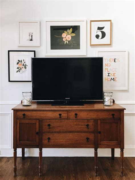 table tv on wall 25 best ideas about tv gallery walls on