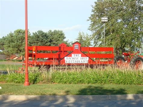 The Machine Shed Des Moines Ia by Machine Shed Des Moines Picture Of Iowa Machine Shed