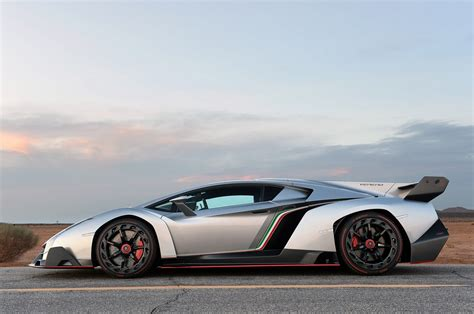 lamborghini veneno goes up for sale but only 163 5 6m