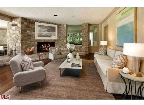 sinatra house 1 24 bob hope s toluca lake home for sale for 27 5 million