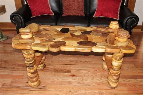 coffee table   lobby   fenton inn