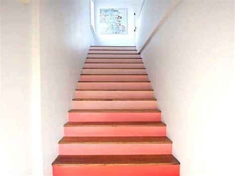 Lovely Meuble De Chambre A Couche 2016 #7: Peinture-descalier-rose-pour-decorer-la-cage-descalier.jpg