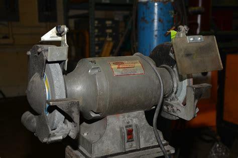 dayton bench grinder dayton 8 quot double end single phase bench grinder 3 4 hp steel base inv 12076 ebay