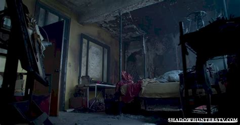 clary fray room 18 things you might missed from episode five