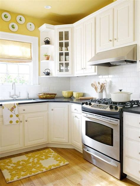 yellow kitchens with white cabinets best 25 yellow kitchen walls ideas on yellow