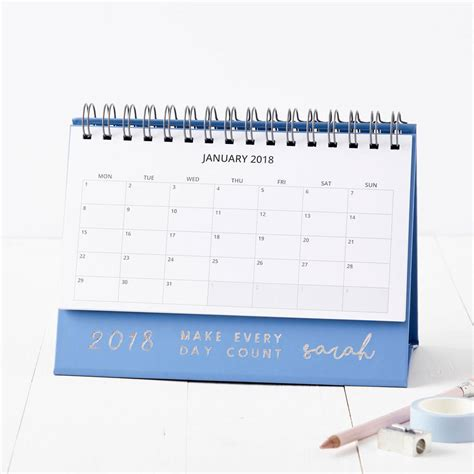 a desk calendar with pictures 2018 desk calendar pictures to pin on pinsdaddy