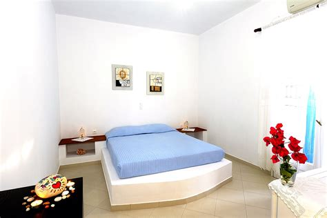 rooms in milos island rooms apartments milos island adamas of papikinou