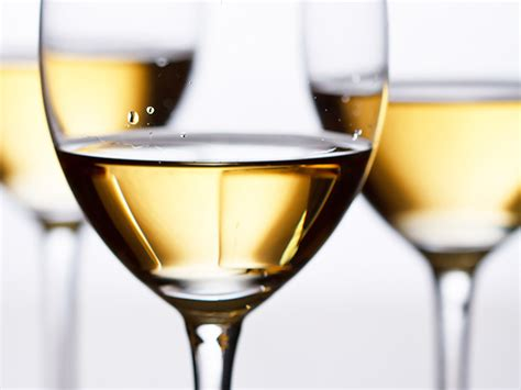 8 Tips For Choosing Wine by Tips For Choosing The Right White Wine