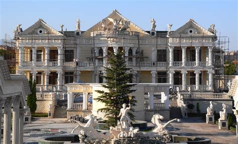 how the rich buy homes universe of luxury armeniamansion hostel shared rooms mansions rich houses and rich