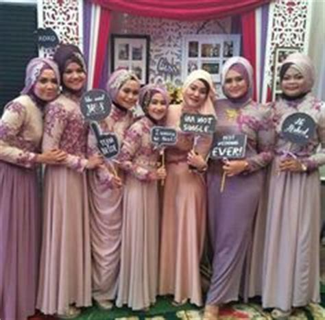 Pi Batik Black Muslim Kebaya Pesta kebaya biru wedding gown inspiration