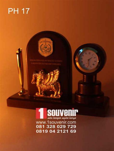 Plakat Jam Meja by 1souvenir Souvenir Jam Meja Plakat Jam