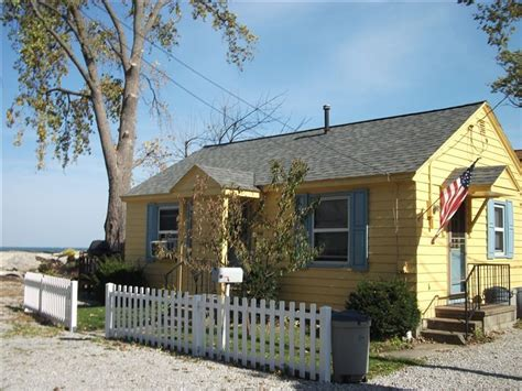 Lake Erie Cottages For Rent by Cedar Point Lake Erie Islands Lakefront Cottage Vrbo