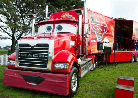 cars trucks lightning mcqueen visits sandown 500 melbourne