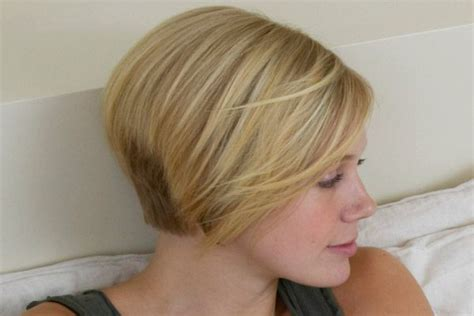 Different Ways To Wear A Stacked Bob | stacked bob haircut hairstyle bob hairstyles for