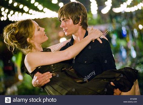 leslie mann zac efron movie leslie mann zac efron 17 again 2009 stock photo