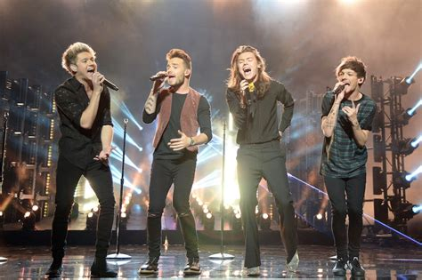 Should Perform At The Vma Awards Again by Which One Direction Member Should Be Your New Year S