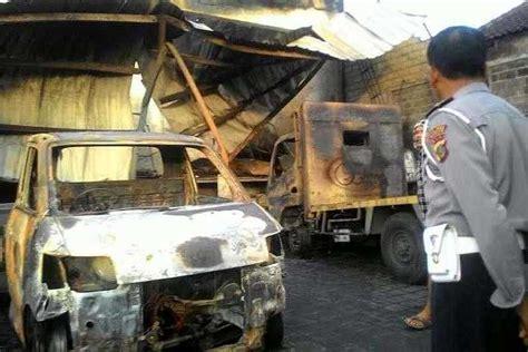 Kasur Mobil Bali gudang kasur ludes 7 mobil dan motor terbakar balipost