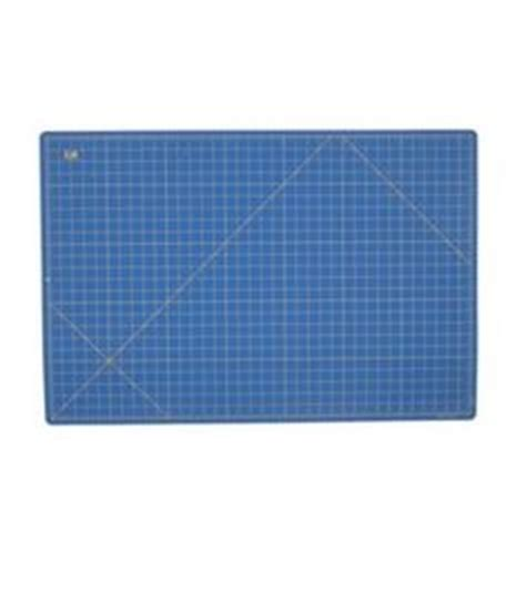 Large Rotary Cutting Mat by Rotary Cutters An Rulers An Mats On Cuttings