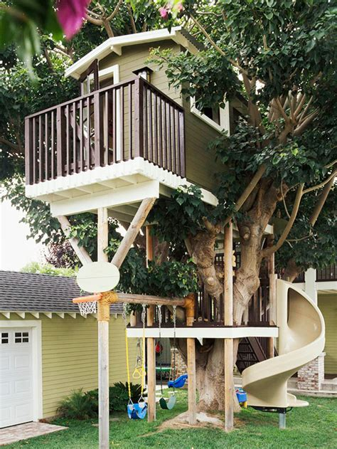 is swinging a good idea 14 incredible cubby houses housegoeshome