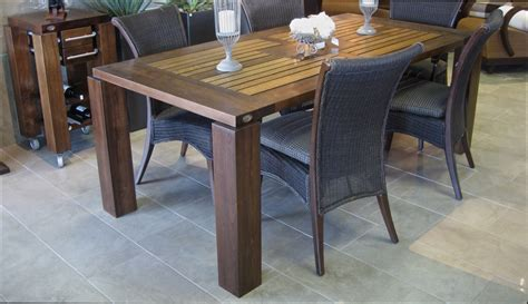 table en bois de cuisine table en bois de cuisine maison design modanes com