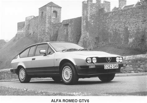 future cars alfa romeos  gtv coupe takes