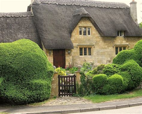 Cotswalds Cottages by Cottage In The Cotswolds Thatched Roof Content