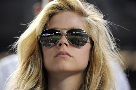 why pinoy designed kahoy sunglasses are a hot trend in avril lavigne avril lavigne photo 7914897 fanpop