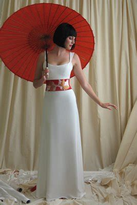 japanese modern wedding dress design  big ribbon