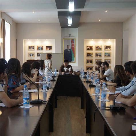 menulis sebuah opini mahasiswa azerbaijan menulis opini tentang indonesia