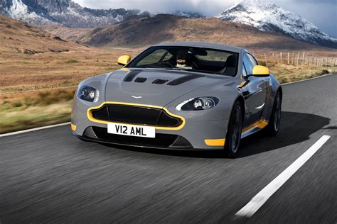 aston martin vantage 2017 watch the 2017 aston martin v12 vantage s stretch its legs
