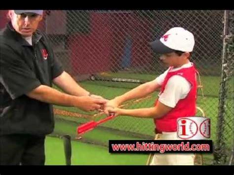 inside out swing baseball a baseball coaches fungo bat it s easy to swing doovi