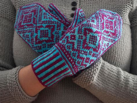english knitting pattern for mittens everyone loves mittens including your kitten