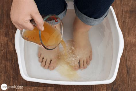 Fungus Detox Bath by 28 Surprising Ways You Can Benefit From Apple Cider