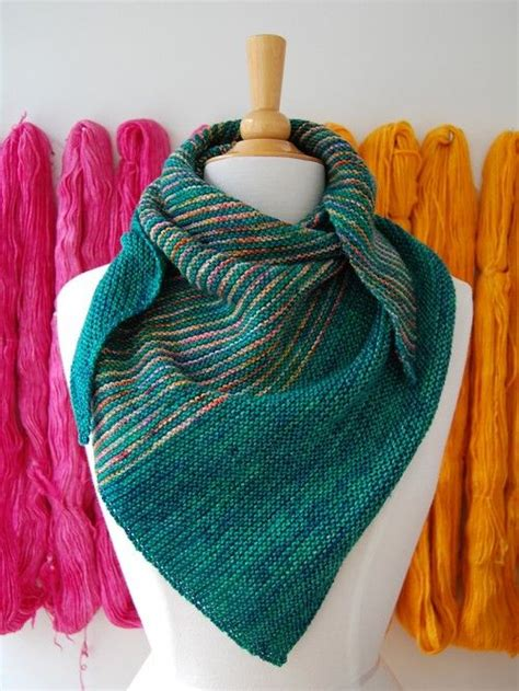 beginner knit shawl pattern 17 best ideas about knit shawl patterns on
