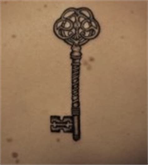 key pattern meaning romawi style skeleton key tattoo design sketch tattoomagz