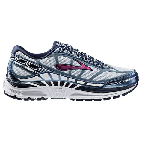 road running shoes dyad 8 road running shoes midnight fuschia womens at