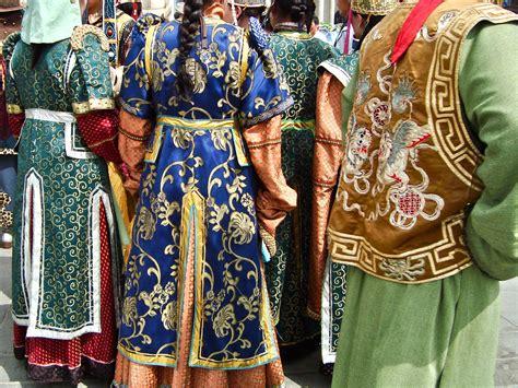 lunar new year clothing mongolian tsagaan sar or the lunar new year