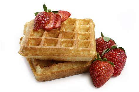 waffles with strawberrys waffles photo 8008200 fanpop