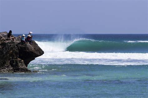 rambo estrada  zealand surf lifestyle photographer