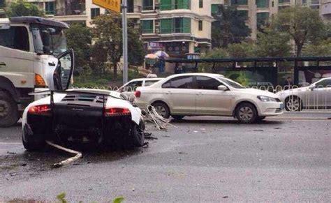 crashed white lamborghini lamborghini murcielago sv crashes in china gtspirit