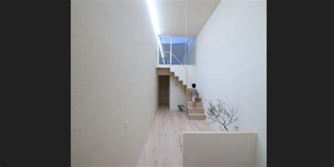 layout fungsional rumah tipis dan mentalitas hidup sederhana ala jepang