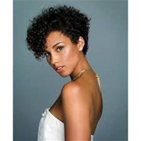 do ouidad haircuts thin out hair i have curly hair and i want a pixie cut do you think it
