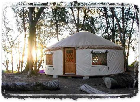 amazingly peaceful hawaiian yurts love yurts diy 17 ideas about yurt kits on pinterest tiny log cabins