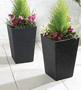 ideas decor for wicker planters