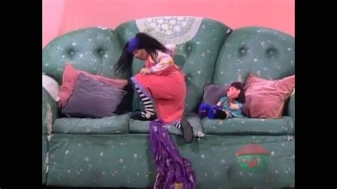 big comfy couch youtube big comfy couch wrong side of the couch 3 of 3 youtube