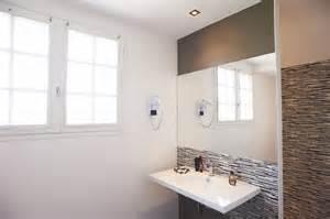 salle de bain moderne hostellerie croix blanche abbaye
